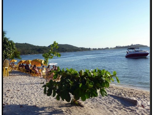Hejo's sits across the street from Lagoa de Araruma, and the operate a bar on the beach on the weekends.  You can also eat on the beach.